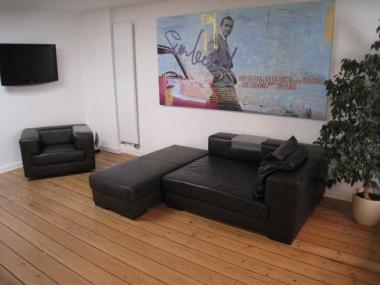 shh immobilien miete hamburg ottensen hochwertige endetage in gr nderzeitvilla. Black Bedroom Furniture Sets. Home Design Ideas